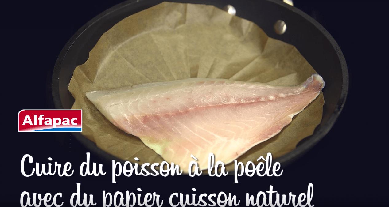Cuire du poisson à la poêle avec du papier cuisson naturel