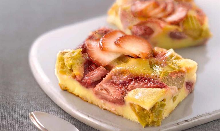 Clafoutis fraise-rhubarbe