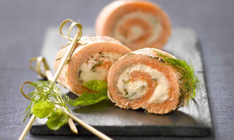 Roulés de saumon vapeur au chèvre frais